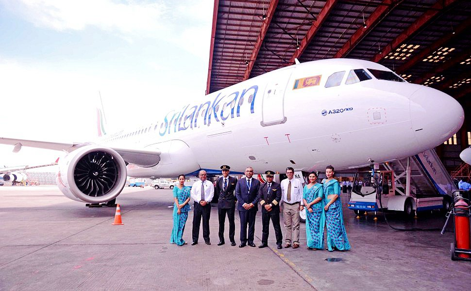 SriLankan Airlines flight crew and A320neo