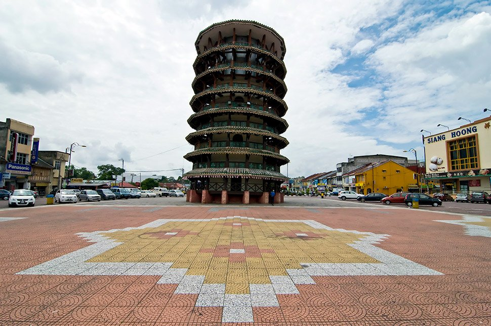 Menara Condong Leaning Tower of Teluk Intan
