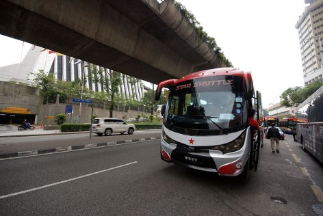 Star Shuttle stops at Bus stop at MyDin