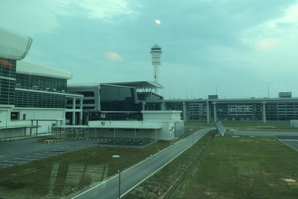 View of the gateway@klia2 mall and car park building