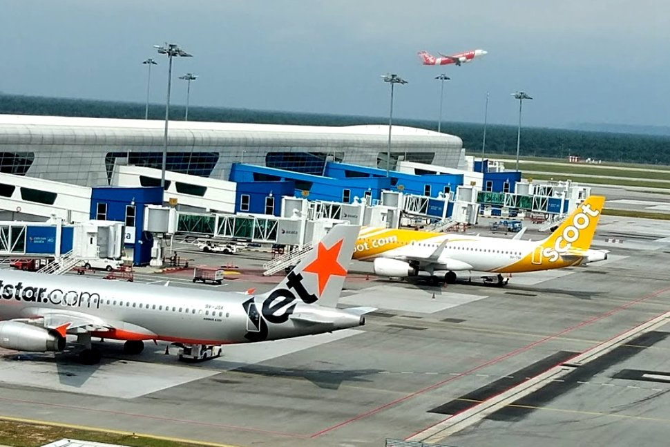 Jetstar Asia Scoot flights are waiting at the Pier K