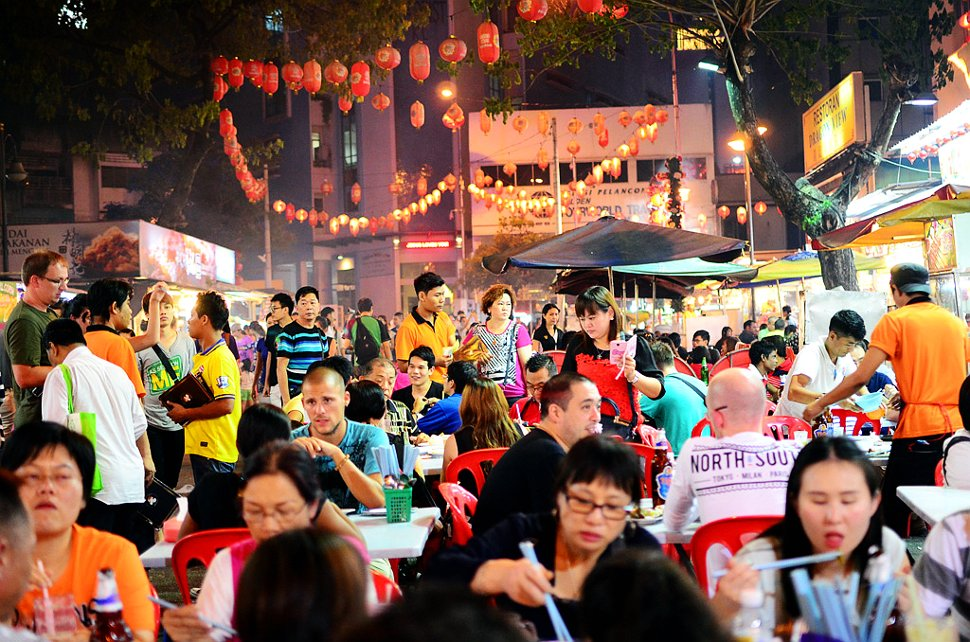 Plenty of food options at Jalan Alor