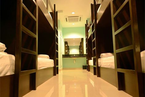 Dorm-like room concept, Sri Packers Hotel