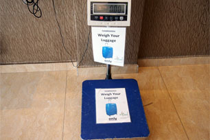 Weight machine, Sri Packers Hotel