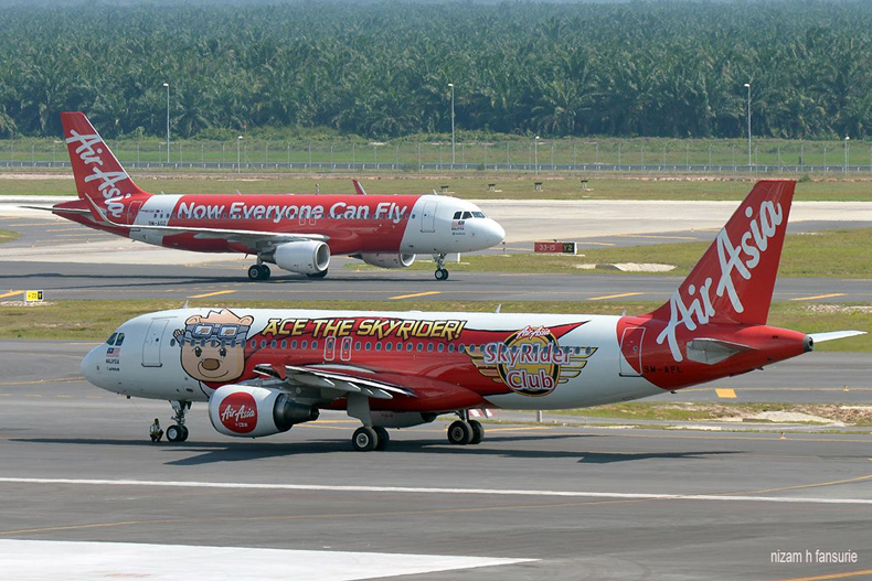 AirAsia's flights, Photo by Nizam Hakim