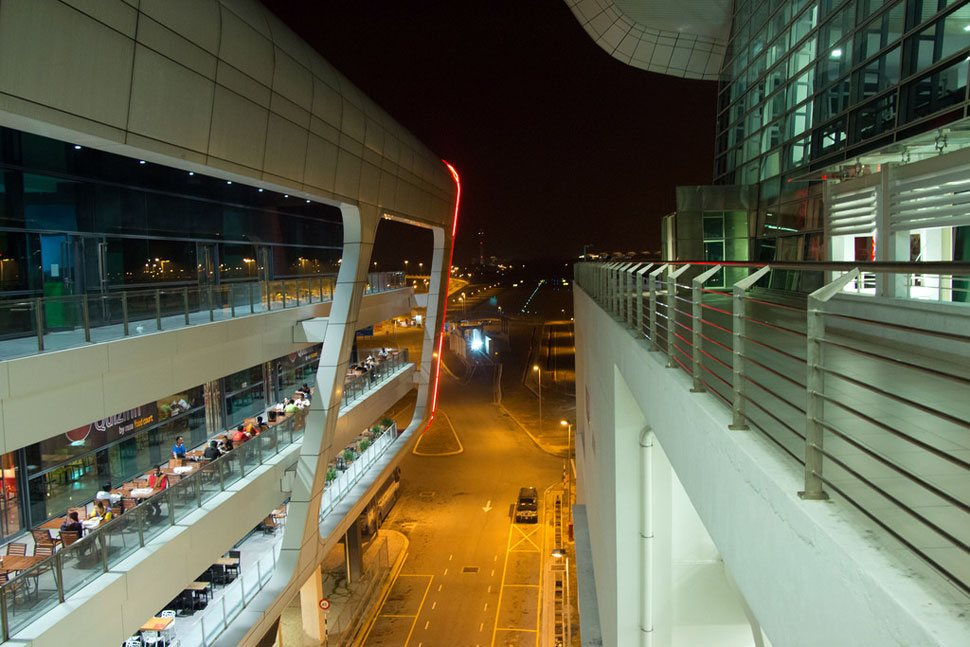The view from the connecting section of Gateway@klia2 mall and Terminal Building