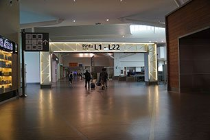 The entrance to gate L1 - L22