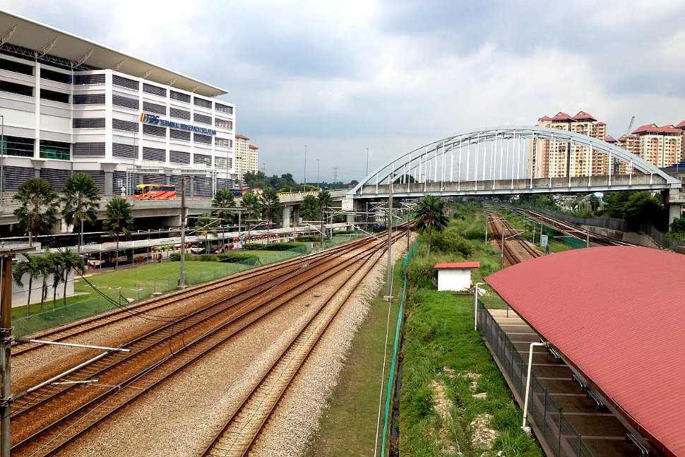 Bandar Tasik Selatan ERL station on the left