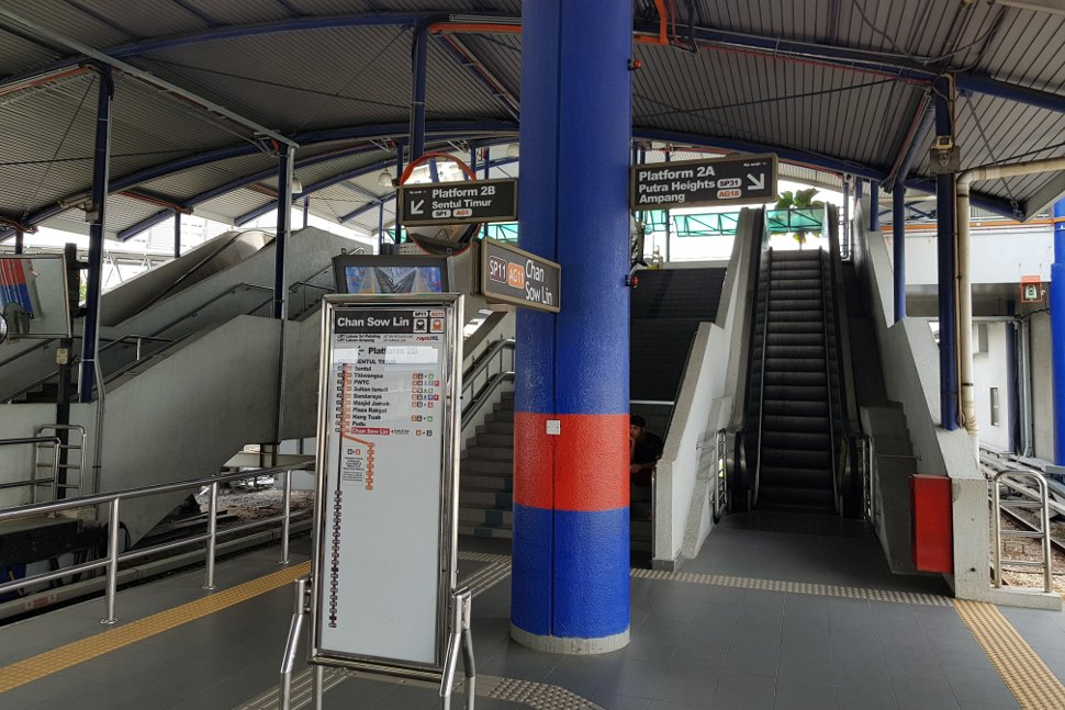 Escalators and staircase access to platform level