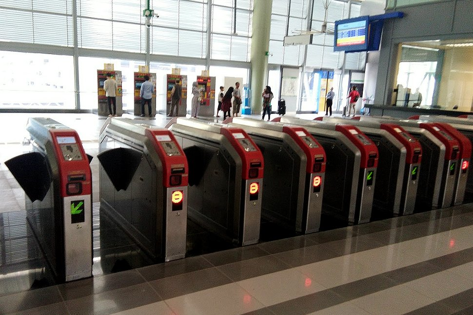 Faregates at concourse