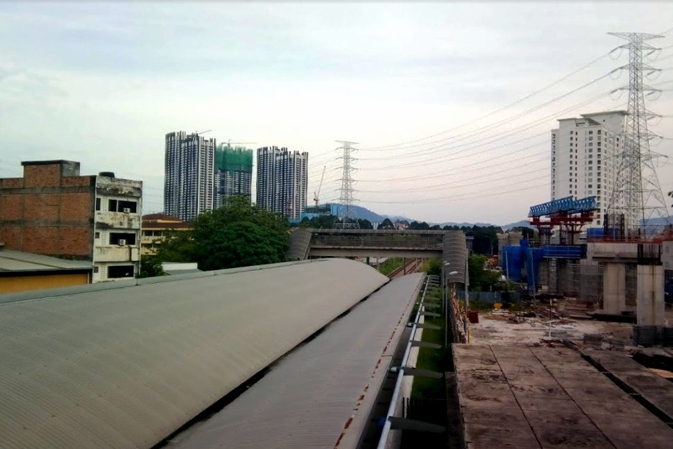 Construction of Sungai Buloh-Serdang-Putrajaya MRT line next to the station
