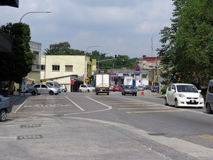 Main road, Nilai town