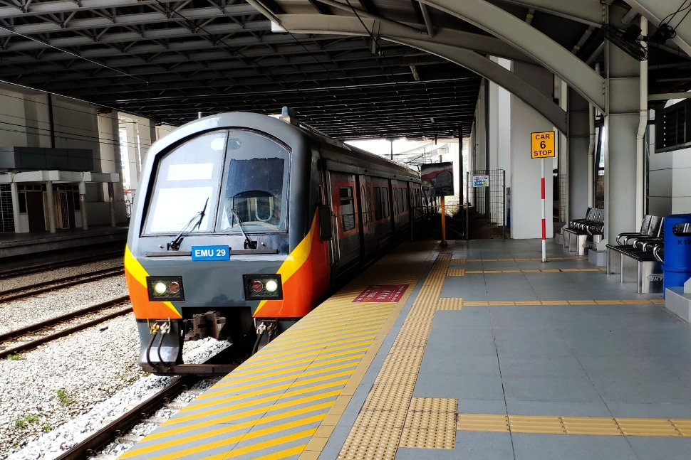 Skypark Link train (EMU 29) waiting at Subang Jaya station