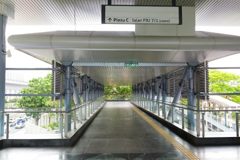 Pedestrian walkway to Entrance B and Entrance C