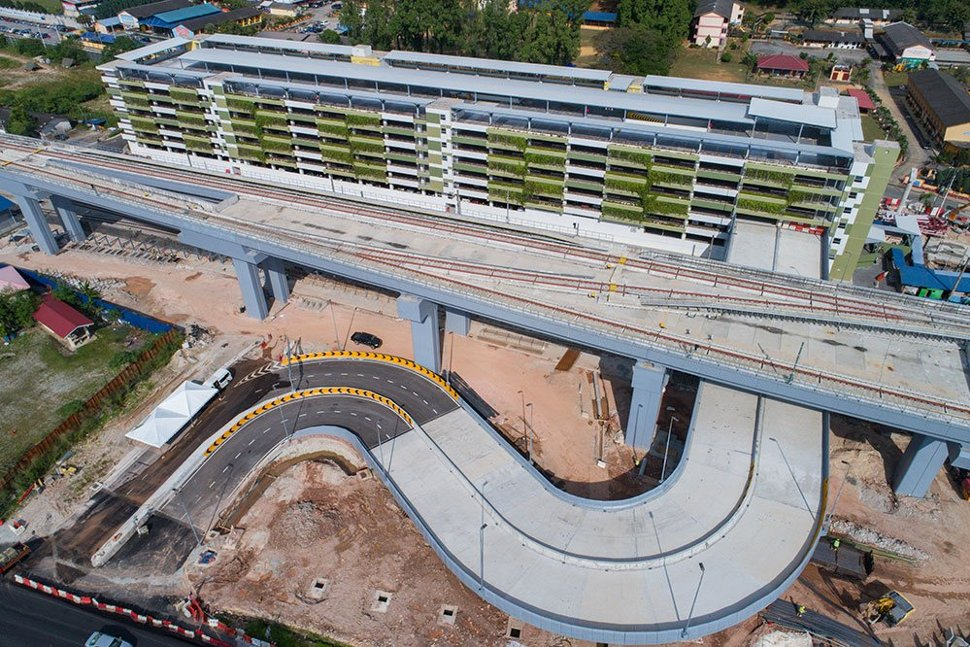 The completion of the access ramp to the multi-storey park and ride building next to the Kajang Station. Feb 2017