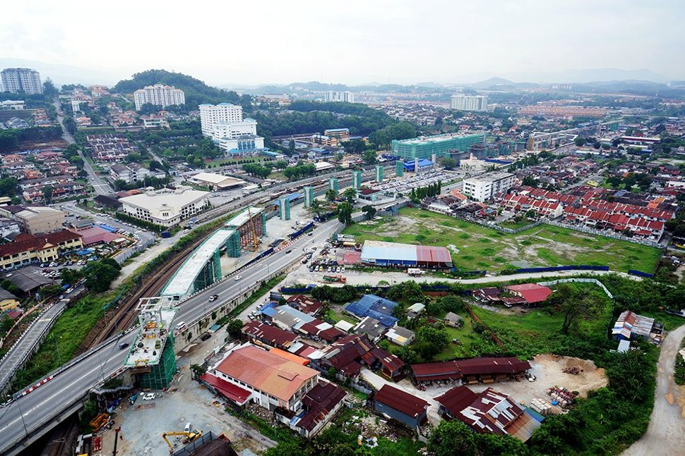 Aerial view of the guideway being constructed along Jalan Reko. Mar 2015