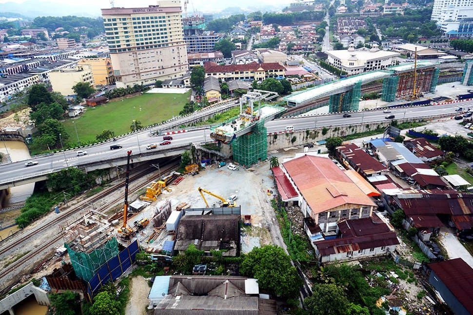 The guideway being constructed over Jalan Reko. Mar 2015