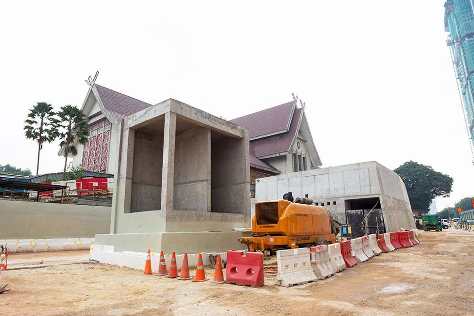 Entrance and ventilation buildings of the Muzium Negara Station taking shape. (Aug 2016)