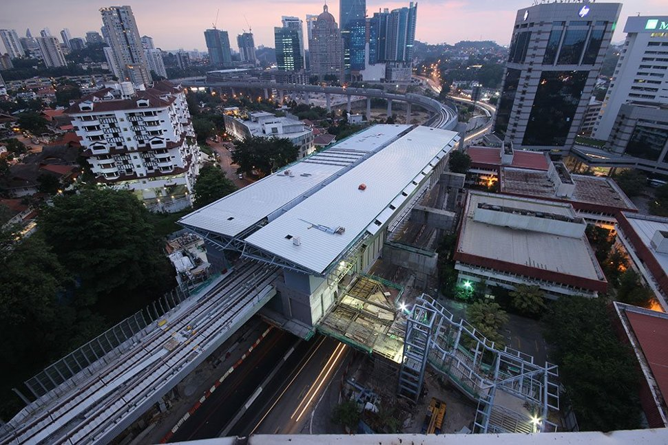 Aerial view of the Semantan Station, with the entrance being built. (Jan 2016)