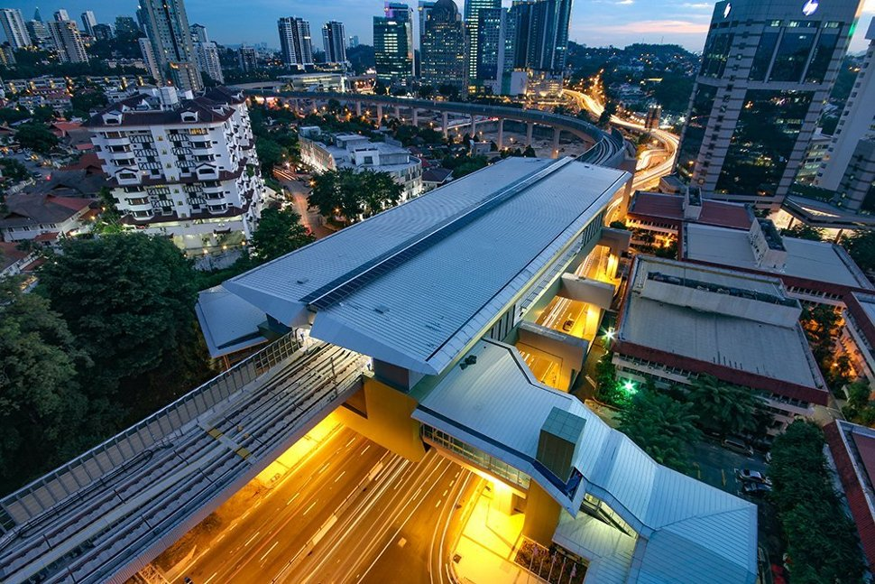 Evening aerial view of the Semantan MRT Station. (Sep 2016)