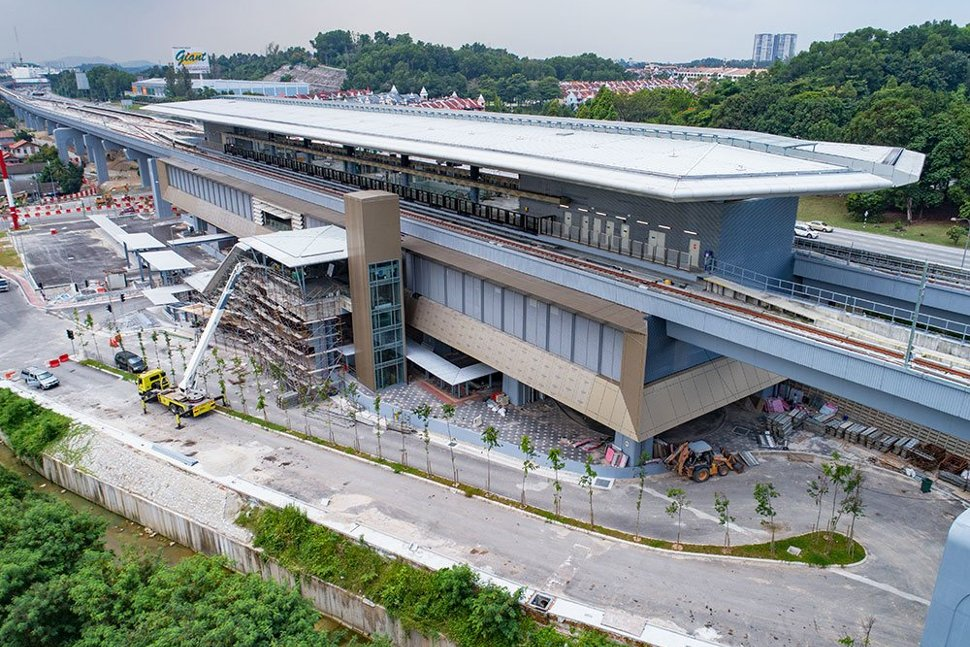 View of the entrance at the Taman Suntex MRT Station undergoing final works. Apr 2017