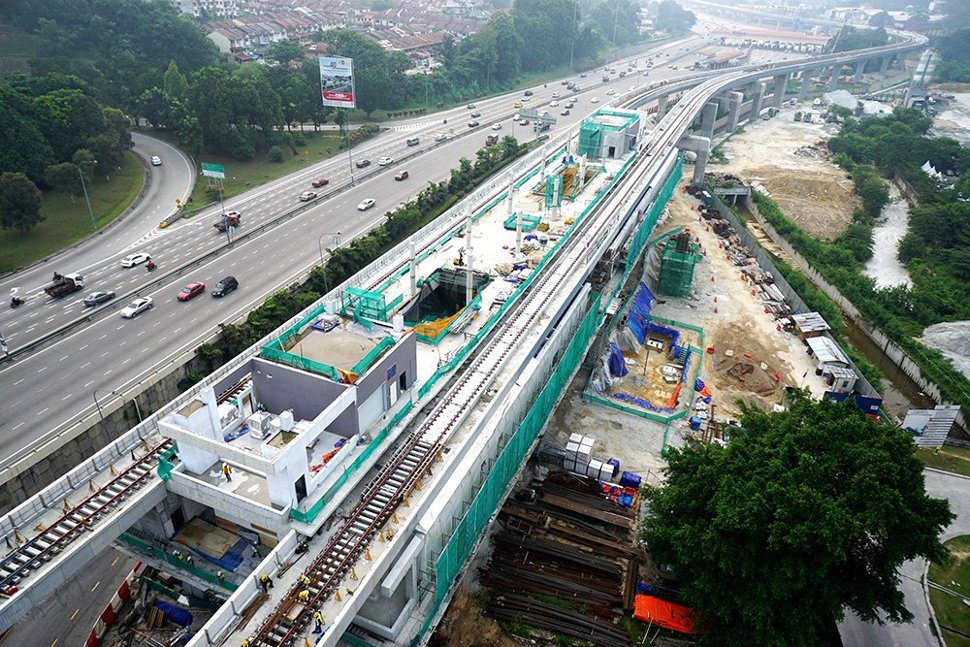 View of the construction of Taman Suntex Station in progress. Sep 2015