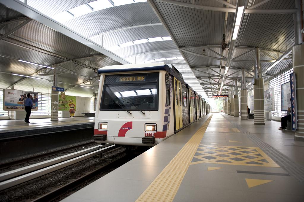 Hang Tuah Lrt Station Malaysia Klia2 Kuala Lumpur