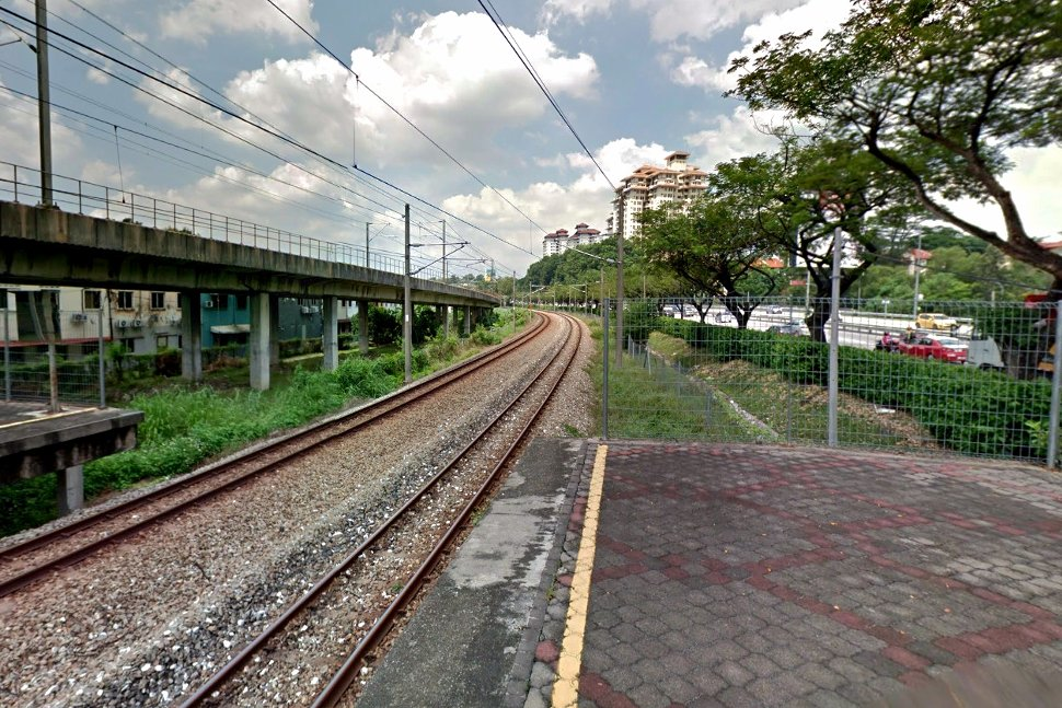 /rail tracks toward Salak Selatan station