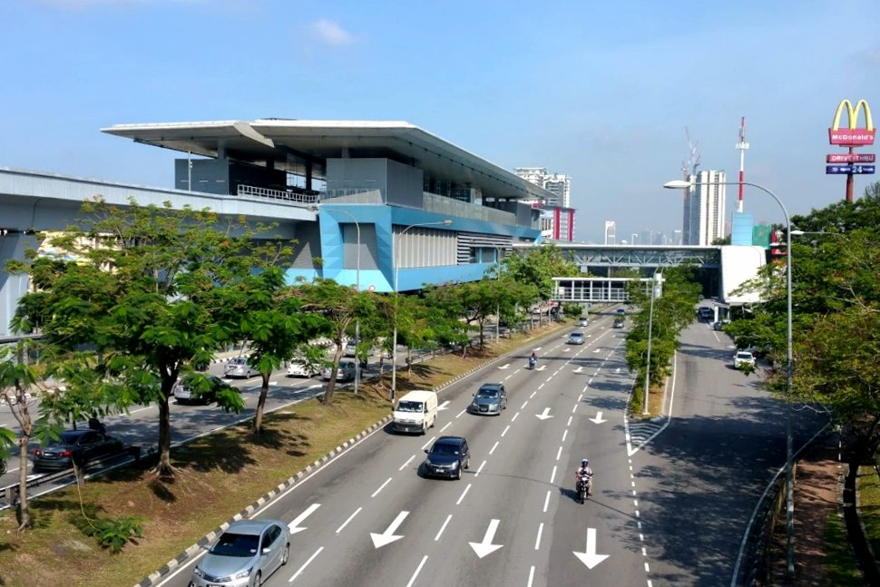 View of the Taman Midah station