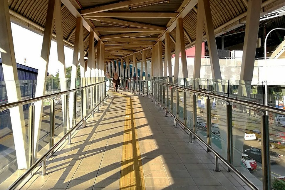 Pedestrian bridge to connect the LRT and the monorail station