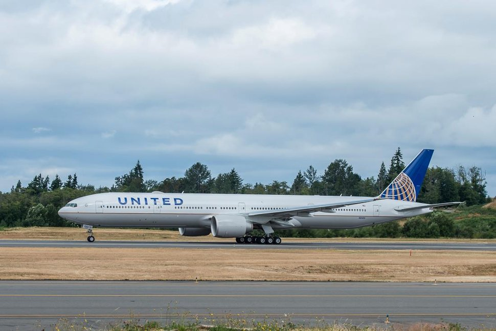 A wonderful looking United Airlines aircraft