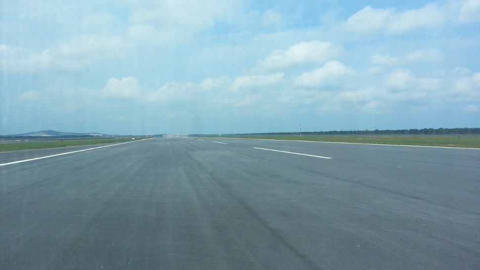 Runway 3 - picture by TWK90
