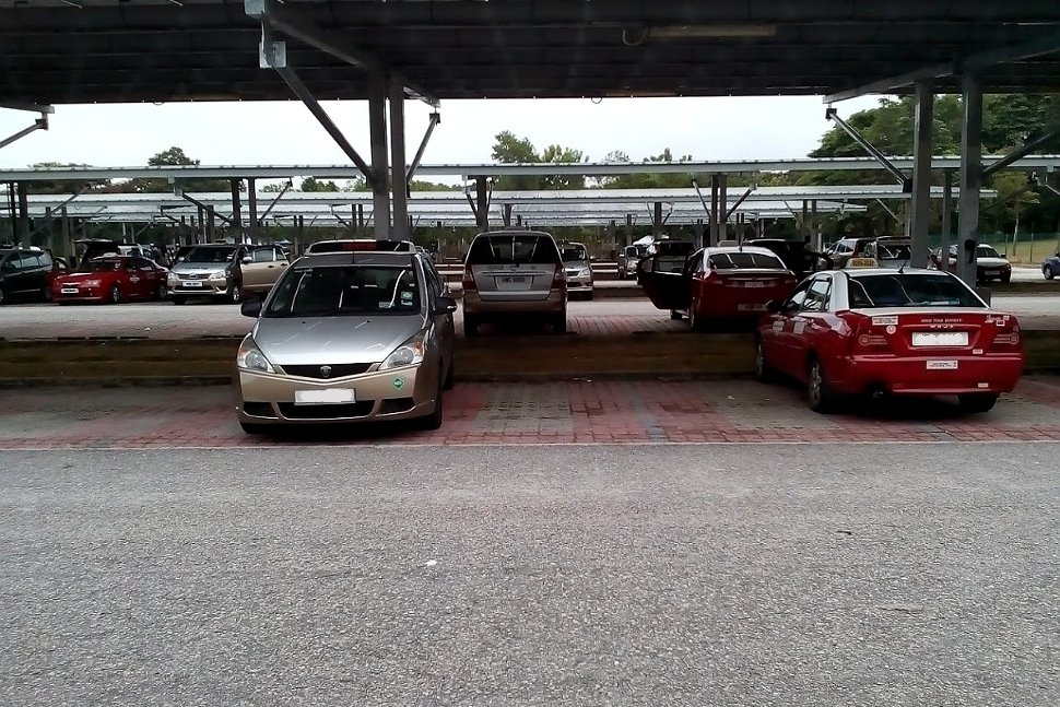 Vehicles parking at the Long Term Car Park