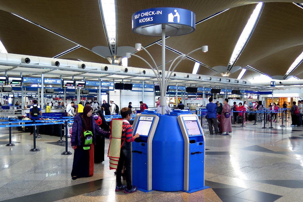 Check-in counters area and check-in kiosk available at Level 5