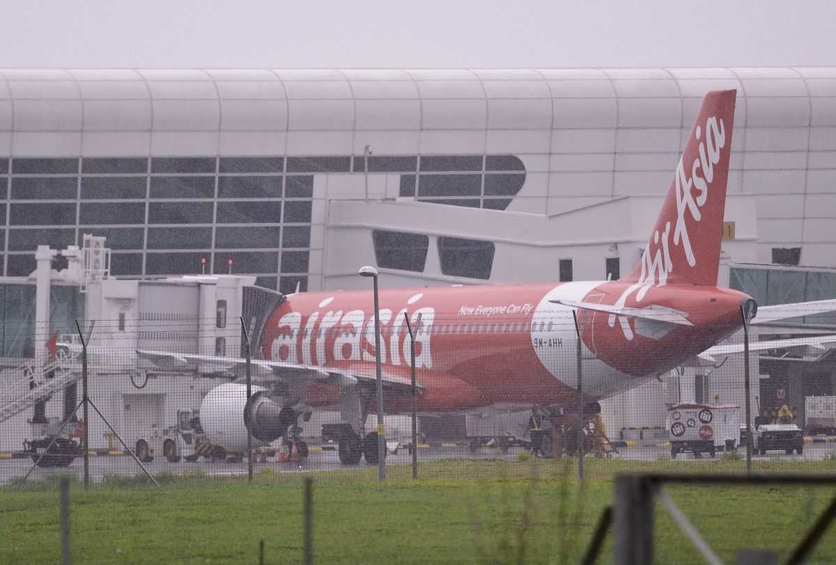 After more than a year of operations at new budget airline terminal klia2, low-cost carrier AirAsia filed a letter of demand against airport operator Malaysia Airports Holdings Berhad (MAHB) seeking RM409 million for losses and damages. The Malaysian Insider file pic, August 21, 2015.