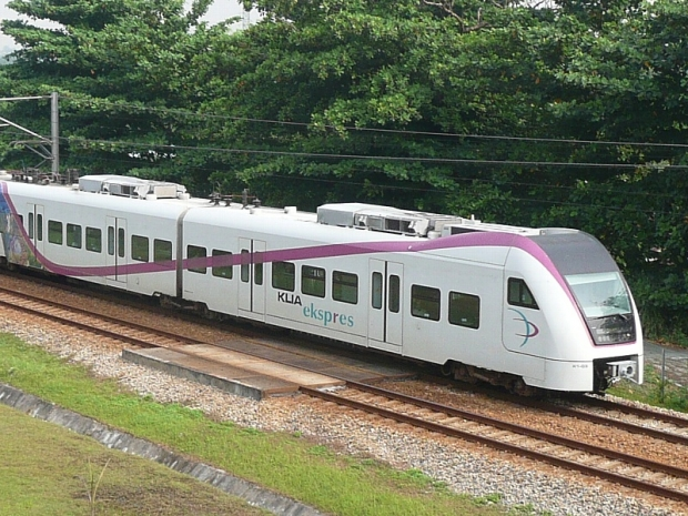 ERL will increase the frequency of KLIA Ekspres and KLIA Transit on March 1, 2016 to accommodate the needs of air travellers and commuting passengers. — File pic