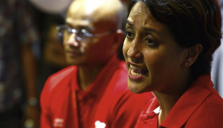 File picture shows AirAsia X CEO Azran Osman Rani (left) and Air Asia CEO Aireen Omar giving a press conference at klia2, May 9, 2014. ?Bernama pic