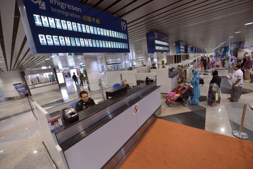 Three hundred facial recognition devices had been installed at Kuala Lumpur International Airport (KLIA) and klia2 to scan those entering and exiting the country. ?Bernama pic