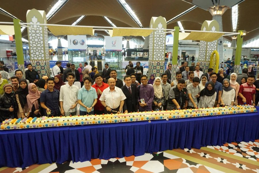 Kuala Lumpur International Airport (KLIA) celebrates 20 years of service excellence and joyful memories as an aspiring global aviation hub in a grand celebration today with more than 600 guests joining in the celebration. Picture courtesy of Malaysia Airports Holdings Bhd.