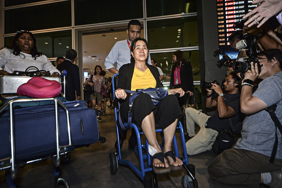 Malaysian victim of the Lombok earthquake, Ong Lee jye, arrives at klia2 in Sepang March 19, 2019. — Picture by Shafwan Zaidon