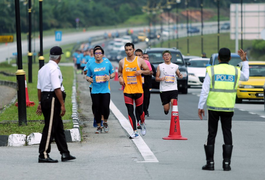 The marathon route has many landmarks, including KLIA, klia2, Air Traffic Control Tower, Sama-Sama Hotel, Runway 3, Sepang International Circuit, Digital Free Trade Zone Park, Mitsui Outlet Park and the long-term car park.