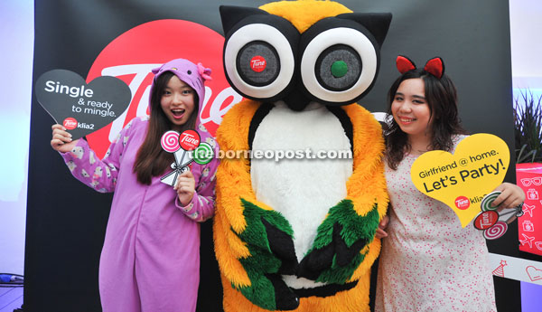 Trip Advisor mascot was also at the party and guests took the opportunity to take a photo with it.