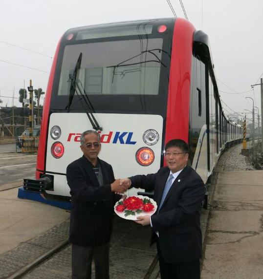 RapidKL LRT six-car train