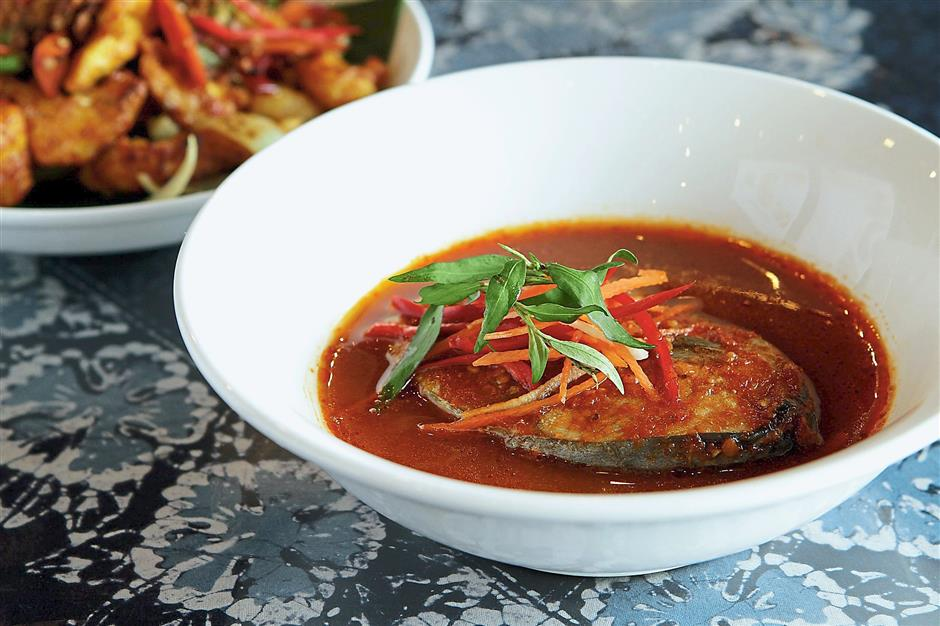 Spiciness is a running theme here but no one is complaining as the heat from this Asam Pedas Ikan Tenggiri keeps us warm in the cold air-conditioned dining area.
