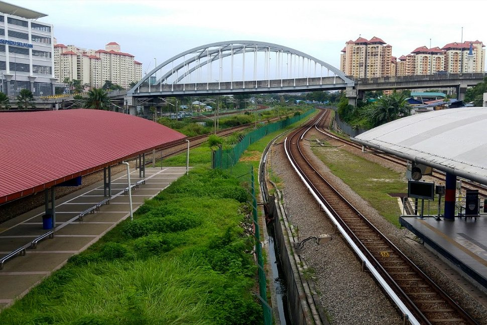 Tasik Selatan LRT station on the right side