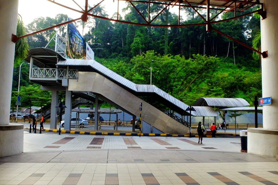 Pedestrian bridge to the Dang Wangi LRT station