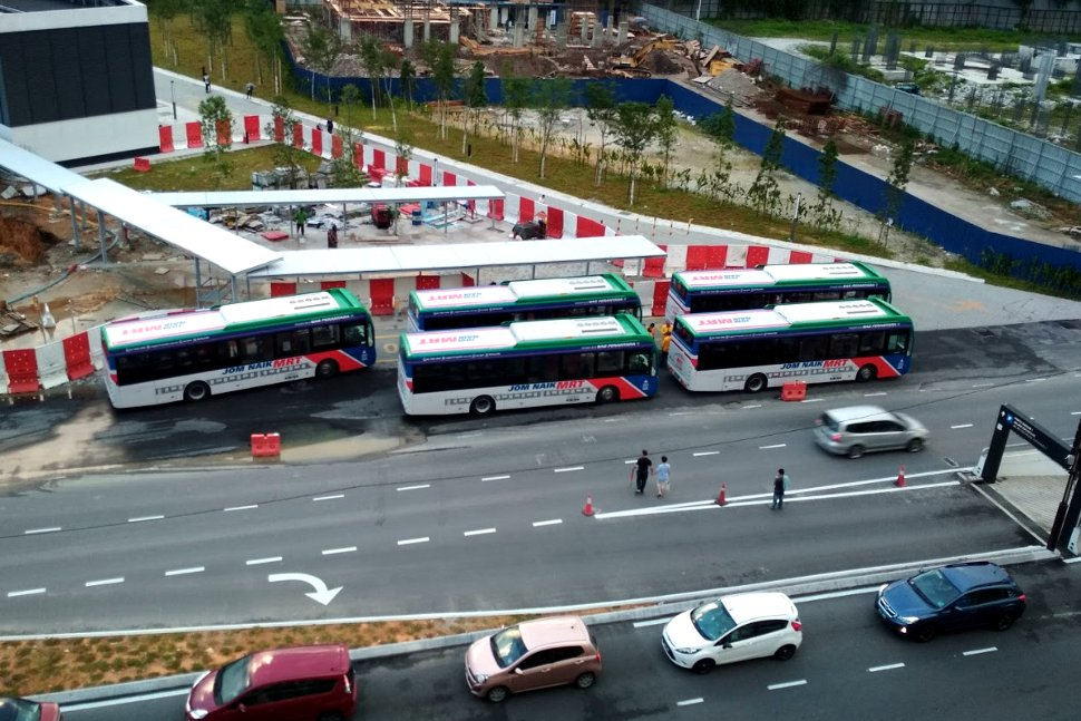 Station's feeder bus available at Jalan Chochrane