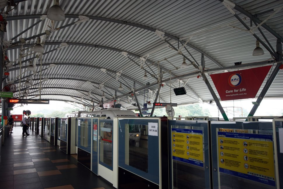 Boarding platform at Hang Tuah Monorail station