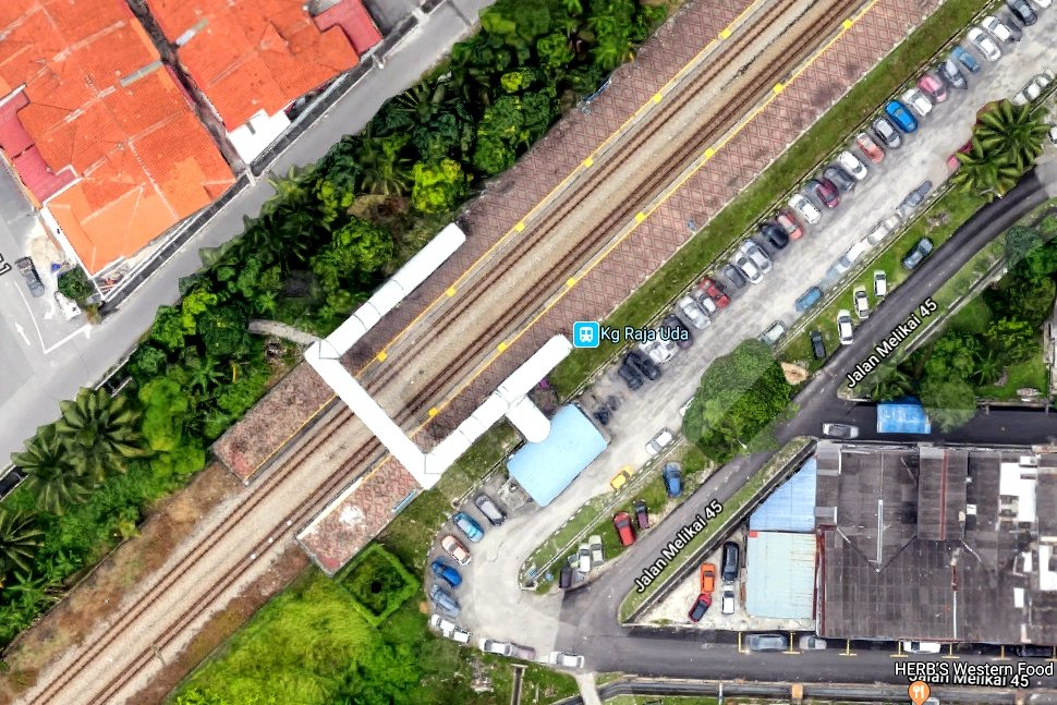 View of Kampung Raja Uda KTM Komuter station on Google Earth