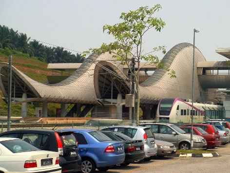 Parking bays near the Salak Tinggi ERL station